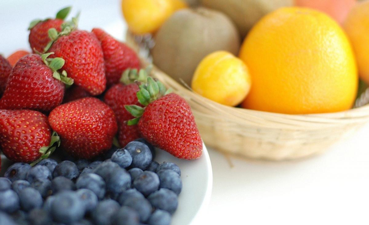 Legătura între culoarea fructelor și animalele care le consumă