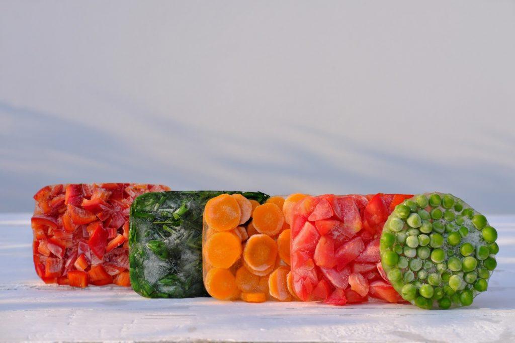 Proaspete, congelate, gătite: cum rezistă cel mai bine vitaminele?
